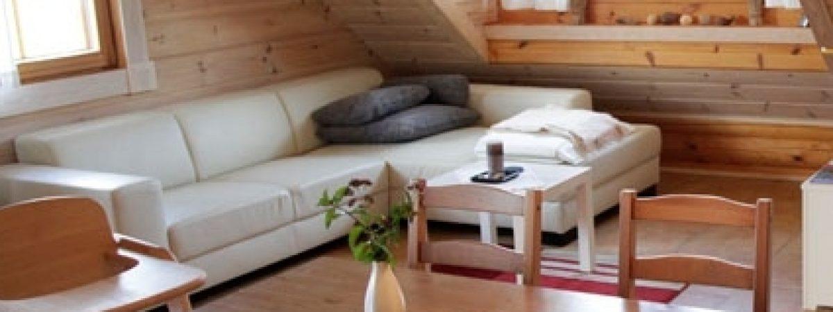 Holhaus innen streichen - mit Holzlasur oder Bienenwachsbalsam