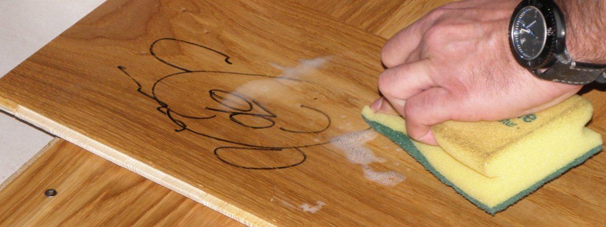 Naturfarben auf Holz: Richtig anwenden und sanieren.